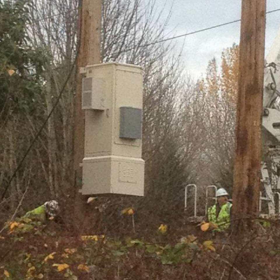 Pole mount enclosure